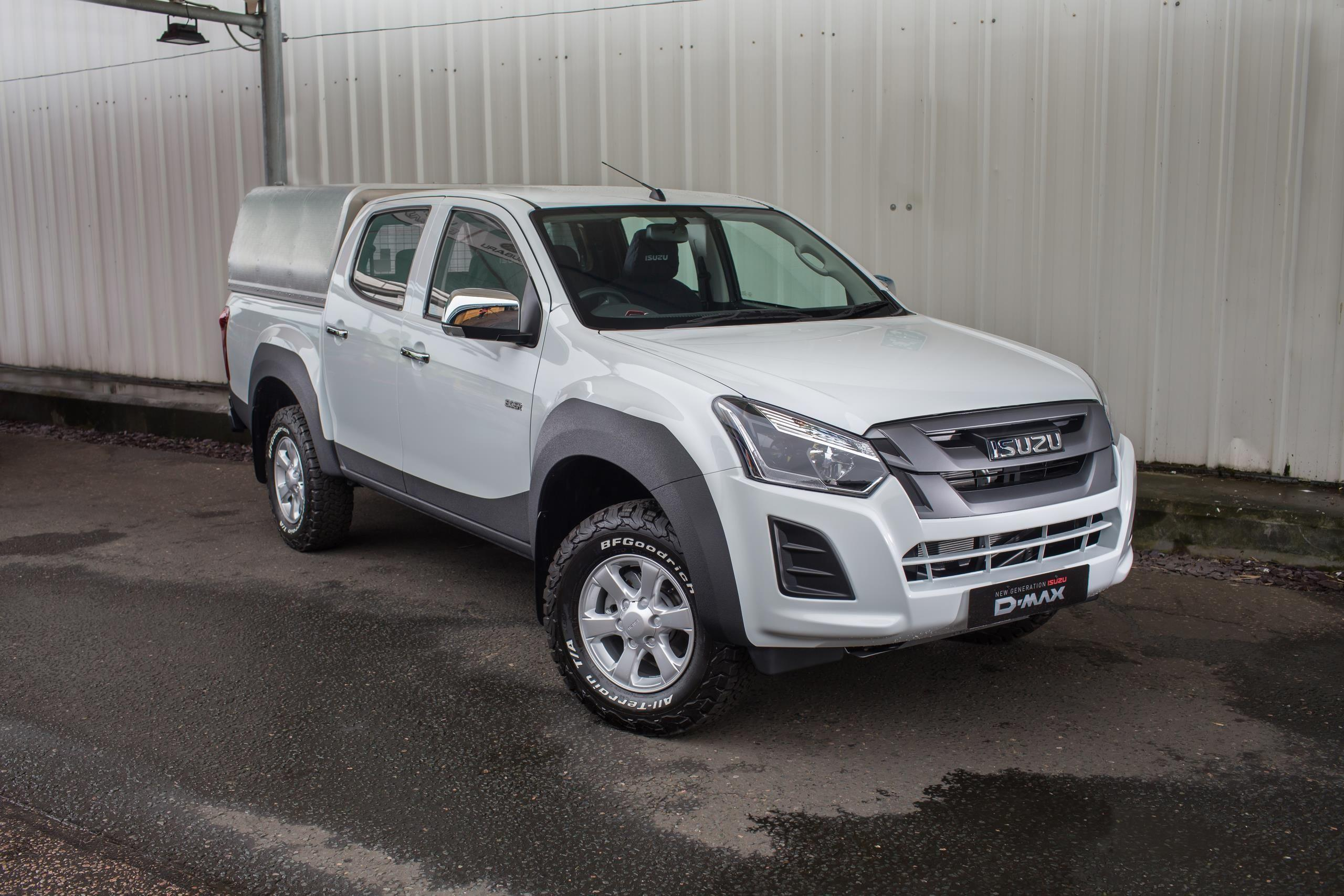 ISUZU INTRODUCE RAPTOR TOUGH AND PROTECTIVE COATING FOR D-MAX PICK-UPS